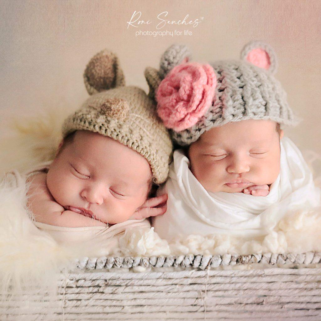 ensaio de newborn de gêmeos