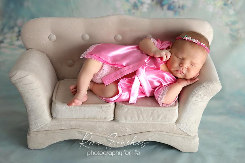 ensaio newborn sofá