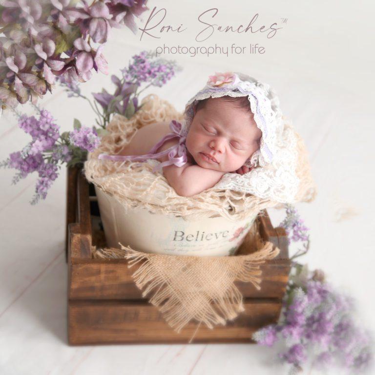 Menina recém-nascido